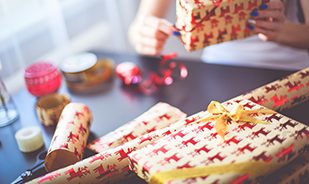Why Gift Exchanges Are Good for Team Building
